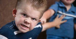 enfant-agressif